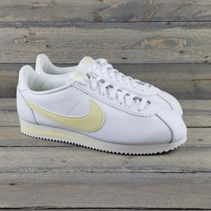 Nike Classic Cortez Leather Women's Sneakers NEW